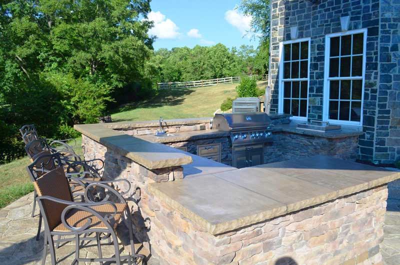 Outdoor Kitchen Poolside in Jonesborough Tennessee