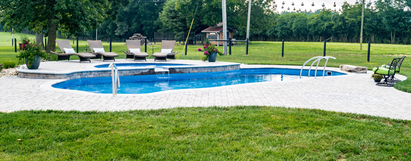 Two-level inground pool with tanning ledge in Morristown, TN